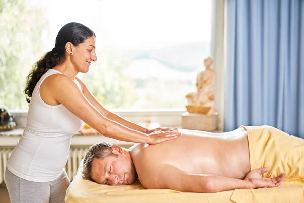 Massagen im Rahmen ayurvedischen Wochenendes bei Euroved