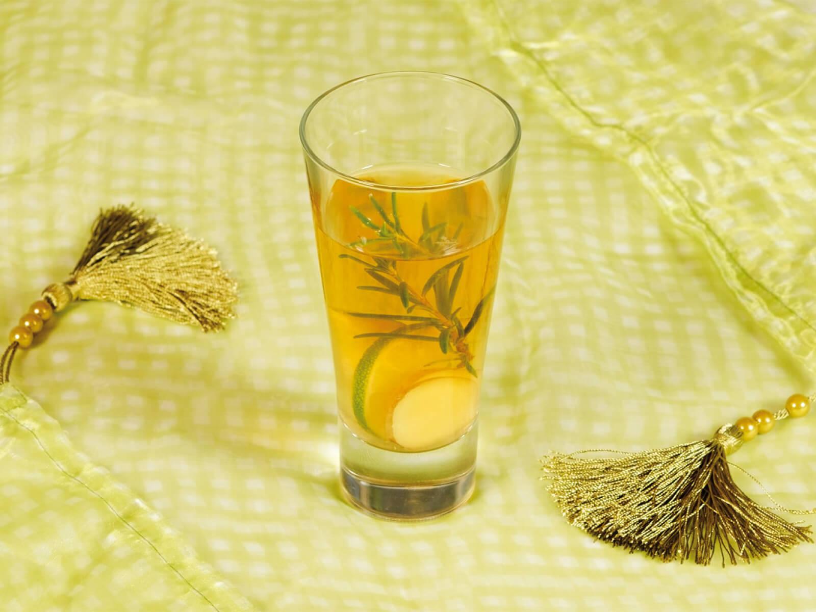 Ayurvedischer grüner Tee mit Ingwer & Rosmarin (Rezept) | Euroved